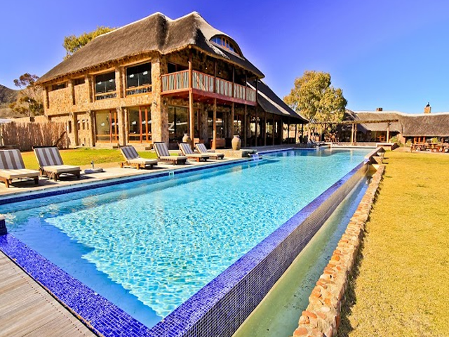 Cape town team building venue aquila private game reserve - Team building swimming pool games ...